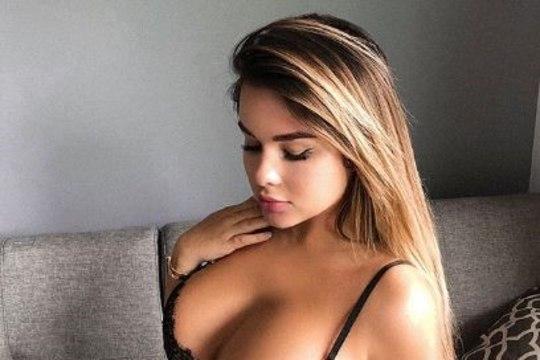 """В Сети не могут разглядеть бикини на """"русской Кардашьян"""" (18+)"""