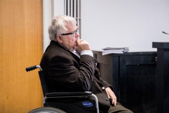 Edgar Savisaar peatas linnavolikogu liikme volitused