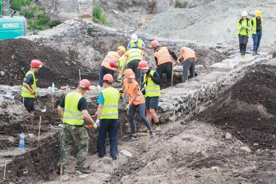 ÕL VIDEO JA GALERII | Arheoloog Kalamaja leiust: oleme sattunud miljonivaatega prügila otsa!