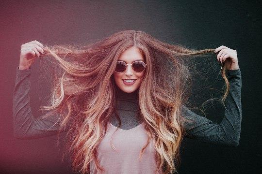 7 igapäevast harjumust, mis kahjustavad su juukseid