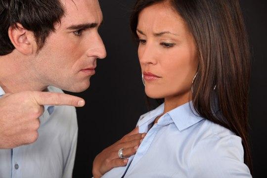 PETMISE ASEMEL: viis asja, mida peaksid tegema, kui oled suhtes õnnetu
