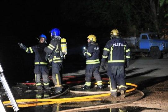 FOTOD ja VIDEO   Paljassaares põles tööstushoone