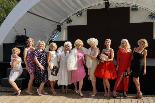 Галерея: а Латвии состоялся первый конкурс двойников Мэрилин Монро