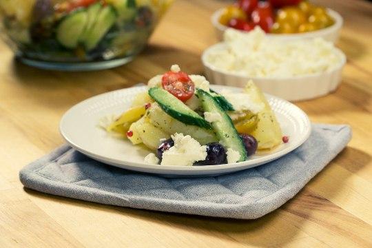 SELVERIGA KÖÖGIS | Kreekapärane värske kartuli-fetasalat