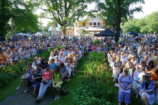 PILDID | Kitarriromantik Francis Goya ja rahvamagnet Ivo Linna ühiskontsert meelitas kohale pool Pärnut