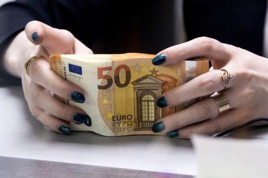 SOOME PEREEMA APPIHÜÜE: 3800 eurot kuus on liiga vähe