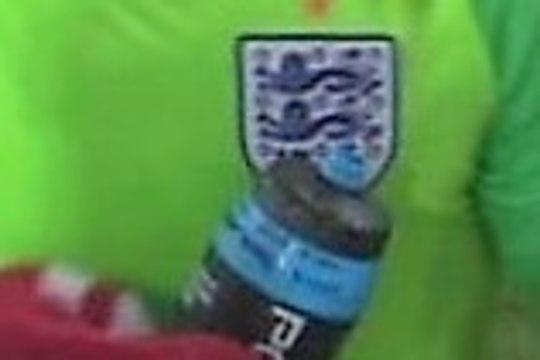 NUTIKAS! Inglismaa väravavaht kasutas Kolumbia penaltite tõrjumiseks kavalat nippi