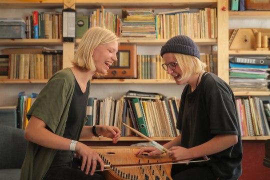 ÕL VIDEOINTERVJUU | Noortebändi poolfinalist Duo Ruut: 5. klassist saati koos muusikat teinud tüdrukutele kukkus võistlusel osalemine otse sülle
