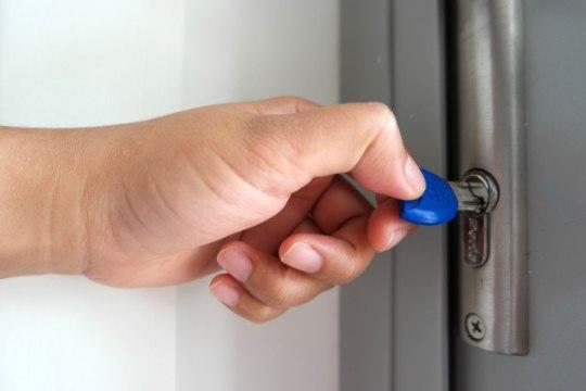 7 soovitust, kuidas puhkusele minnes kodu turvalisus kindlustada