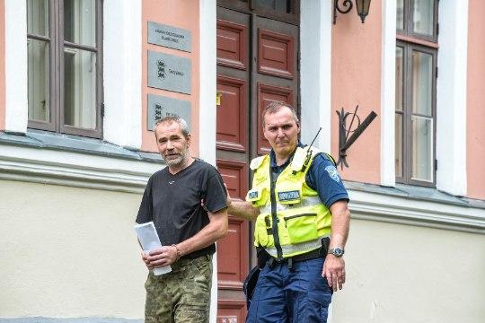 Hedvig Hanson: mu kodu põlema pannud naaber süüdistas, et olen nõid!