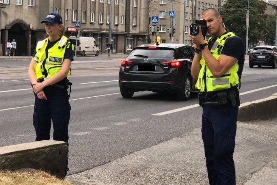 В центре Таллинна женщина на BMW разогналась до 101 км/ч