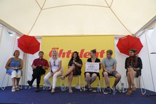 ÕHTULEHT ARVAMUSFESTIVALIL   Victoria Villig räägib, mis tunne on olla Eesti kuulsaim juutuuber
