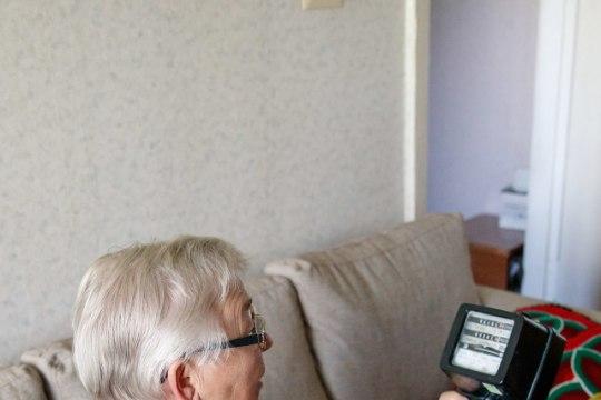 Skeptiline vanamammi ohverdas oma tervise, võideldes kaugloetava voolumõõtja eest