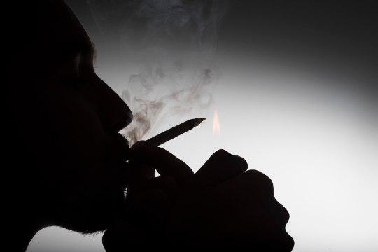 """""""Kadunud Eesti: """"Politseikroonika"""" lugu"""": kuidas narkokullerid politseibussi endale sleppi said"""