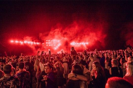 GALERII   Weekendi esimese päeva lõpetas võimsa peoga Axwell /\ Ingrosso