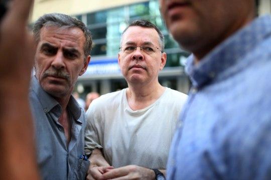 USA kehtestas seoses vahistatud pastori juhtumiga Türgi kahele ministrile sanktsioonid