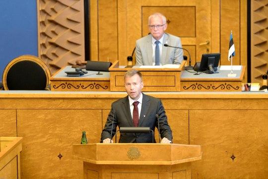 GALERII   Värske minister Rene Tammist andis riigikogus ametivande