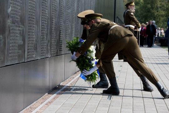 Ekrelane Henn Põlluaas: kommunismiohvrite memoriaali avamisel sülitati inimestele näkku!