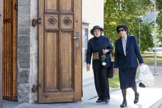 GALERII | Ooperilaulja Teo Maiste saadeti viimsele teekonnale