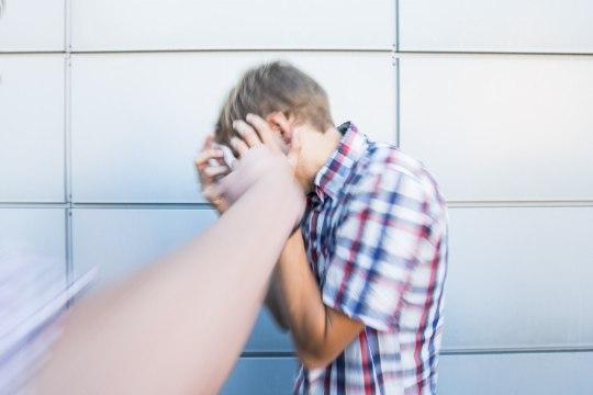Palju kaklusi näinud tütarlaps: põhiliselt tekitavad tülisid võlad... narko- ja alkoholivõlad