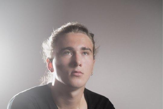 ÕL VIDEOINTERVJUU | Noortebändi poolfinalist Steven Ilves: enesekindlus on põhiline, millega läbi lööb!