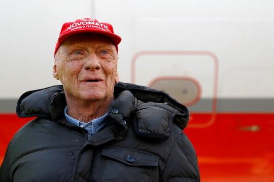 Vormelilegend Niki Lauda taastub kopsusiirdamise lõikusest