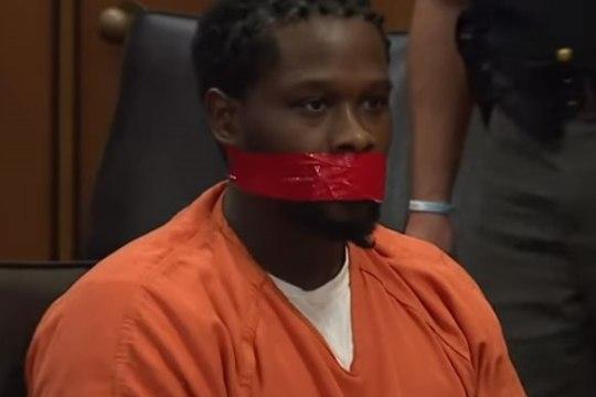 VIDEO | Ohio kohtunik lasi liiga jutukal süüalusel suu kinni teipida