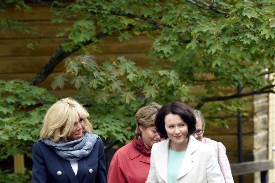 Proua Macron ei lubanud Soomes oma luksuslikke tosse pildistada