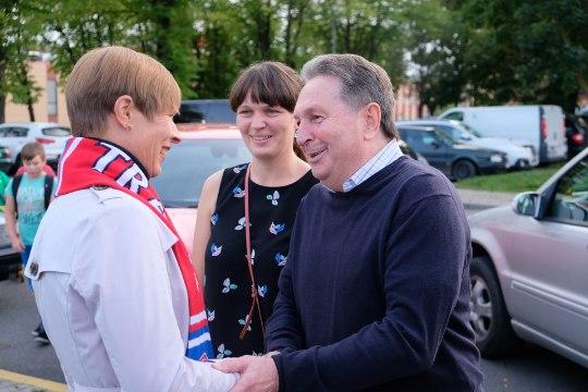 GALERII   ÜLLATUS! Pärnu röövis presidendi silme ees mänginud Narva Transilt punkte