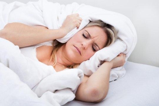KAS MAGASID HÄSTI? Nii mõjutab halvasti magatud öö su kehakaalu