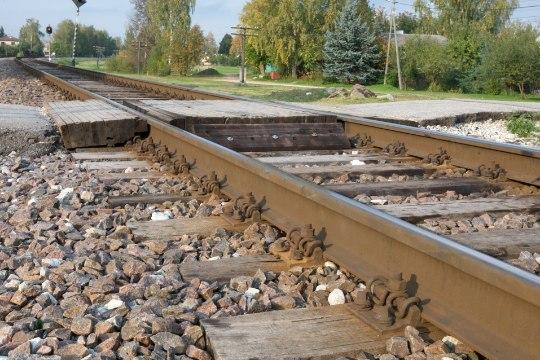 В Тарту на железной дороге погибла женщина