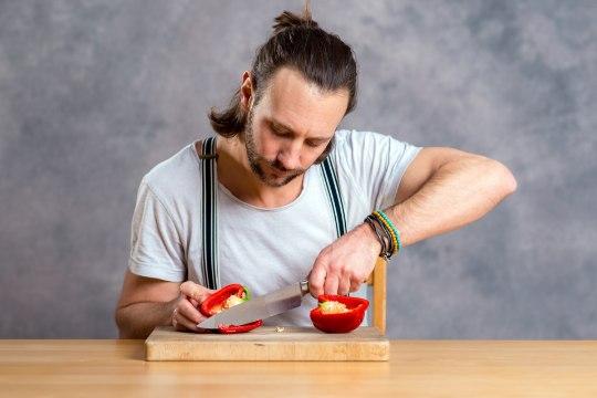 SELGITUS KUI MEHELE: mis vahet on rohelisel ja punasel paprikal?