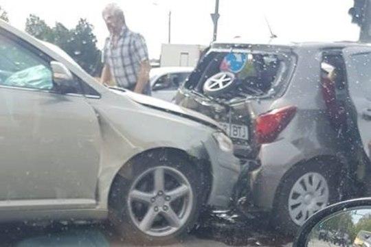 Смотрите фото масштабной аварии в Ласнамяэ: пострадали шесть человек