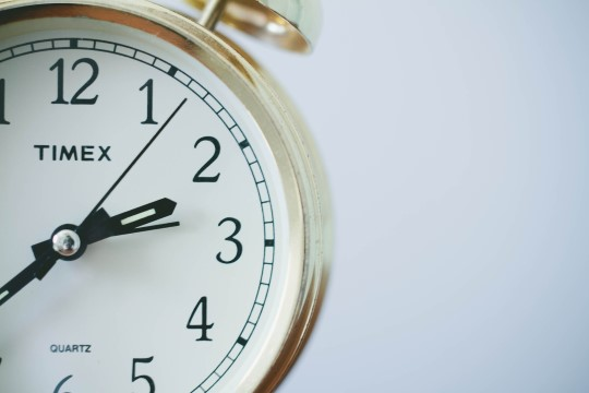 Правительство Эстонии поддержало идею ЕС прекратить переводить время