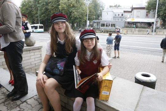 Sven Mikseri tütar läheb vanema õega samasse kooli: otsus langes pärast põhjalikku mõtlemist