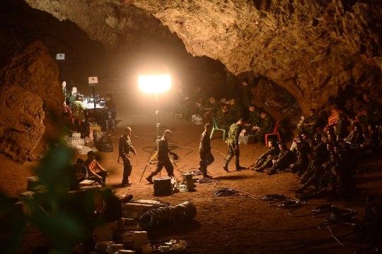 Стала известна дата съемок фильма о спасении детей из пещеры в Таиланде