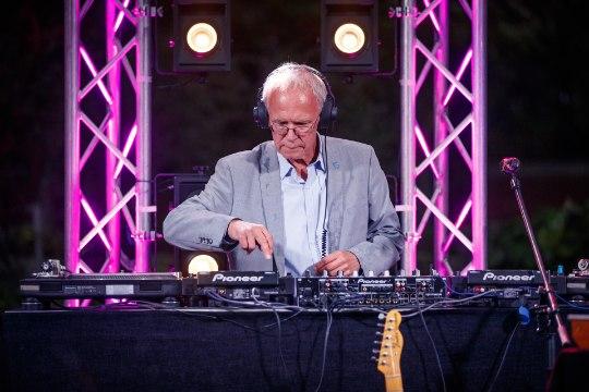 Eiki Nestor: võin noorele mängida 70ndate muusikat ja ta arvab, et see tuli eile vabrikust