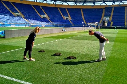 FOTO | Ukrainas vallutasid enne Meistrite liiga jalgpallimängu staadioni mutid!