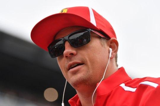 Miks näitas Kimi Räikkönen presidendi vastuvõtul Soome rallilegendile keskmist sõrme?