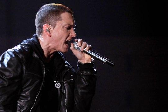 KUULA   Eminem vastas Machine Gun Kelly väljakutsele äärmiselt tuliselt