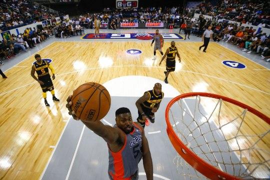 Endine NBA äss paljastas, et on abikaasat petnud 341 naisega