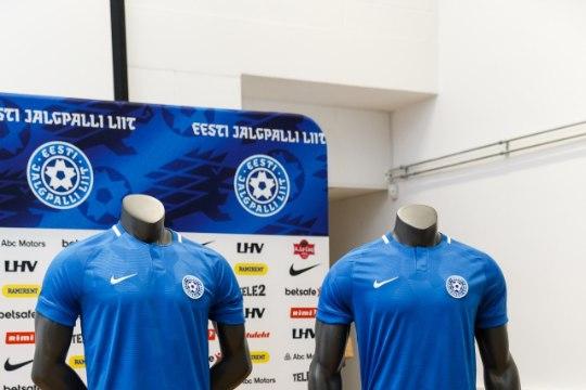 GALERII | Eesti jalgpallikoondis jookseb laupäeval väljakule uhiuues vormis