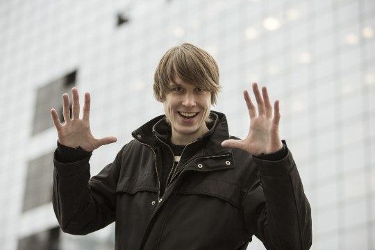 MUSTKUNSTNIKU PANKROT: kas EASi kaabust hiigelsumma välja õngitsenud Jürgen Veber pääsebki raha tagasi maksmisest?