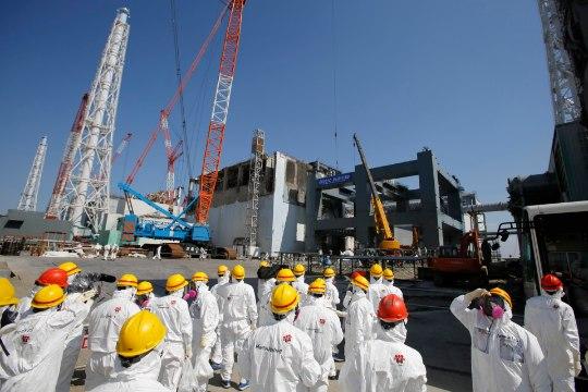 """В Японии умер первый пострадавший от облучения на """"Фукусиме"""""""