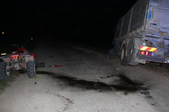 FOTOD   Kihutava ATV juht hukkus kokkupõrkes veokiga