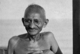 India osariik keelas skandaalse Gandhi raamatu