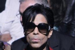 ÕHTULEHE ARHIIVIST | Prince'il pole mobiiltelefoni
