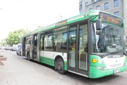 Tallinna bussijuhil õnnestus kokkupõrget vältida, ent reisija sai viga
