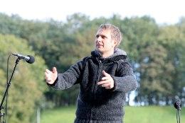 Tomi Rahula asub tööle äi Aivar Pohlaku juhitavas jalgpalliliidus