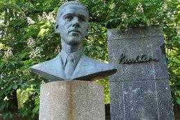 Kerese monument jääb  Tallinnas endisesse kohta